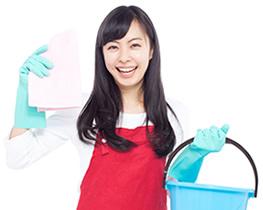 女性清掃員